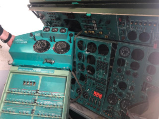 Devices from the Tu-154 and Il